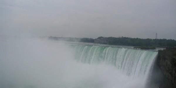Niagara Falls CA side