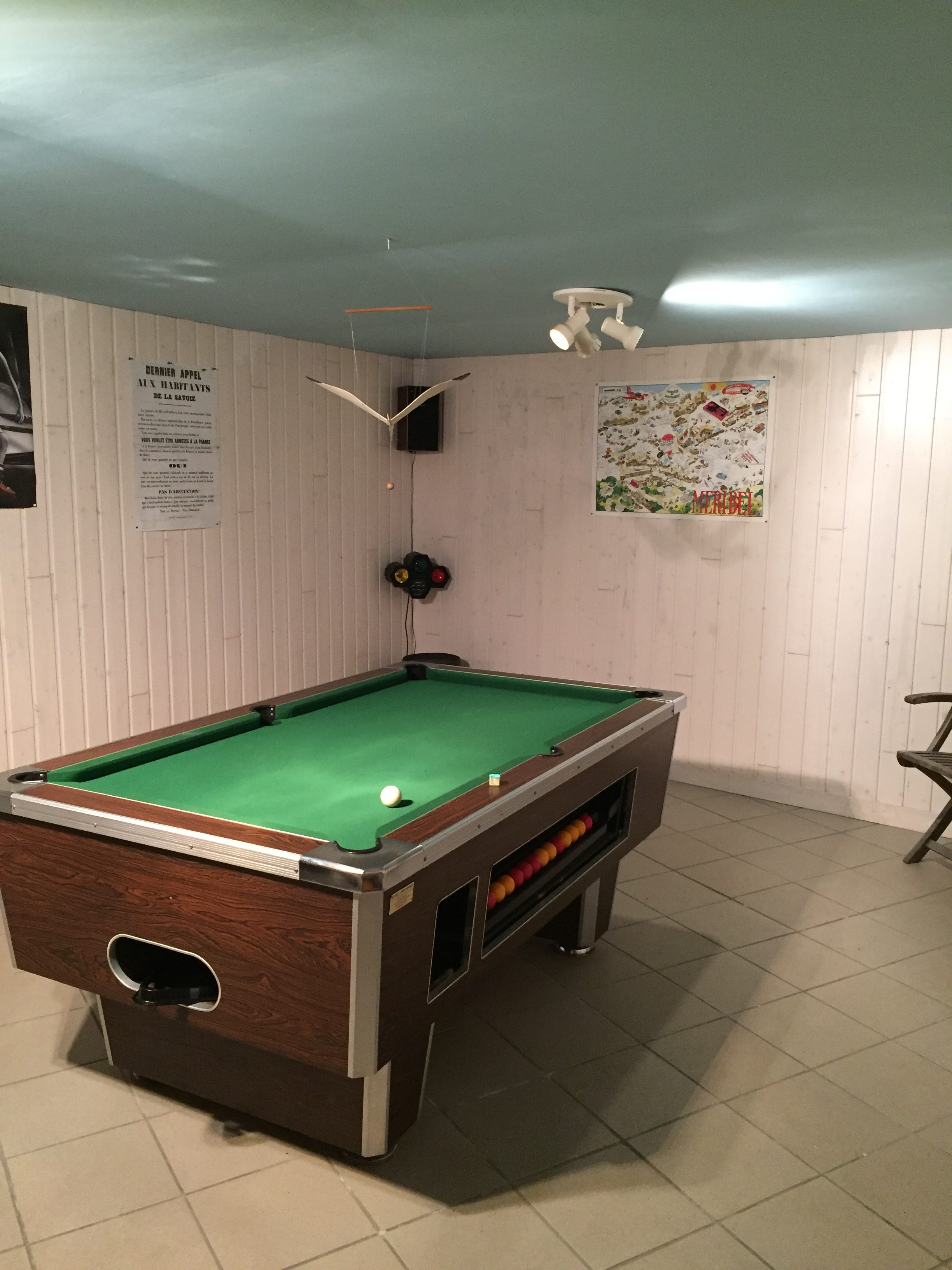 Pool Table – Chalet Mouette