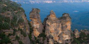blue mountains - three sisters - 5 Must book tours in Sydney