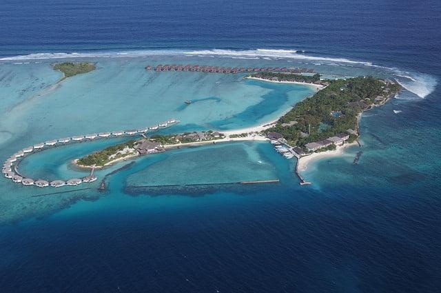 choosing a type of island - maldives