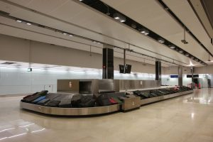 top 10 tips for flying - baggage reclaim